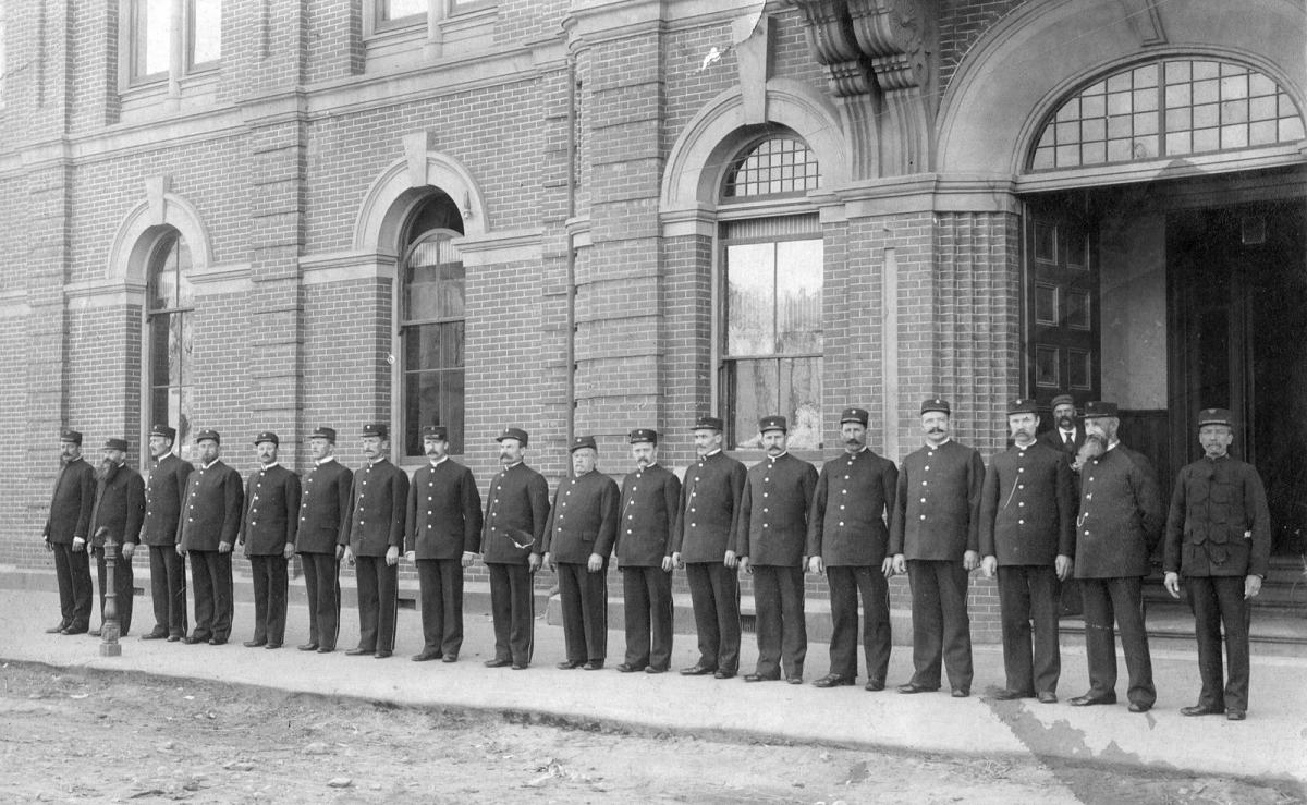 history of the police A history of women in policing these women were motivated by a sense that women activists contributed a positive, feminine approach to addressing society's ills throughout the united states, women were hired to protect and administer to incarcerated women and juveniles.